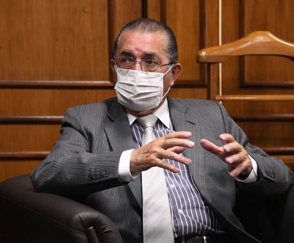 "Ministro de Salud asegura ""contactos fructíferos"" para aprovisionar de  vacunas contra la COVID-19 a Bolivia | Viceministerio de Comunicación -  Bolivia"
