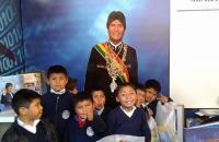 Feria del Libro: La niñez quedó maravillada con la foto presidencial