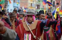Morales dice que las FFAA y los movimientos sociales son la 'garantía' para cambiar Bolivia