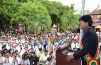 Miles de bolivianos en Argentina esperan recibir a Morales para agradecerle por sus gestiones