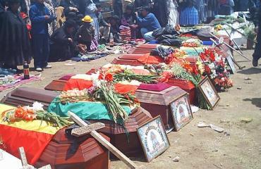 Montaño rinde homenaje a víctimas de 'Masacre de Octubre' y asegura que se recuperó la patria